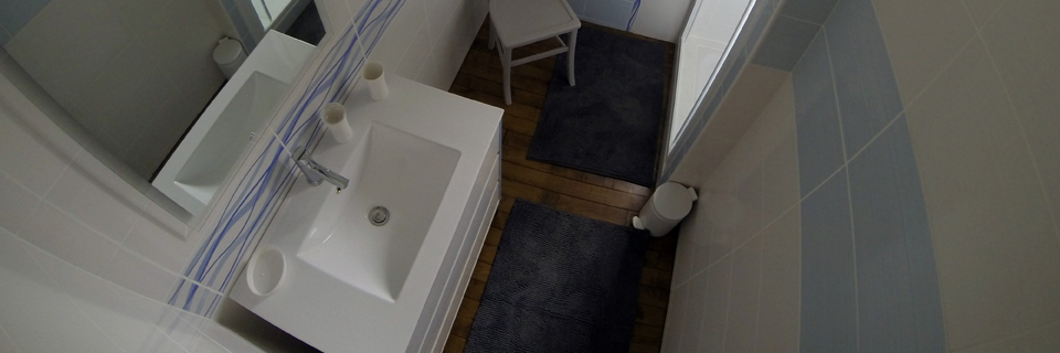Salle d'eau RDC - Gîte du Manoir - Gîte de France 3 épis