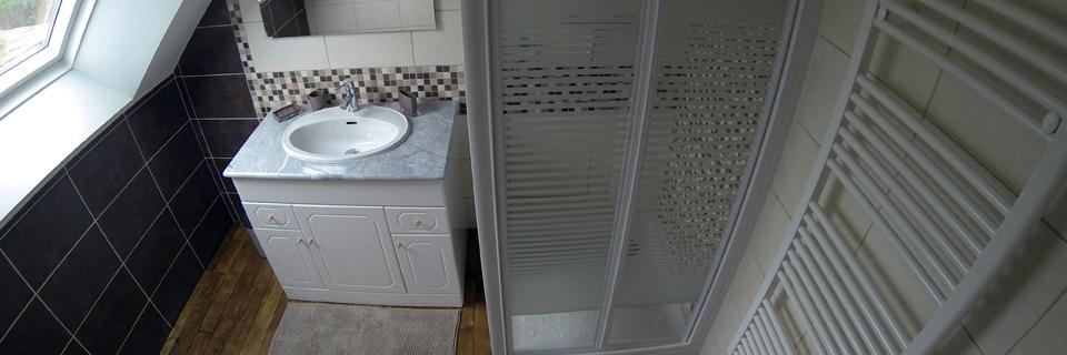 Salle d'eau étage - Gîte du Manoir - Gîte de France 3 épis